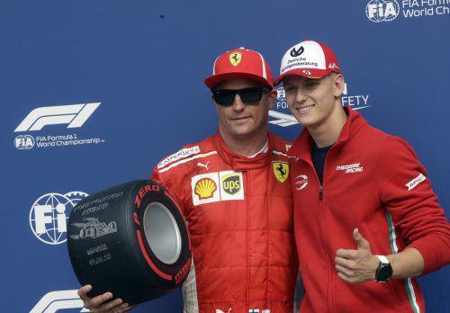 Mick Schumacher (r.) könnte der Nach-Nachfolger von Kimi Räikkönen werden.ap