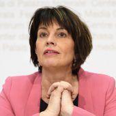 Schweizer Ministerin tritt zurück