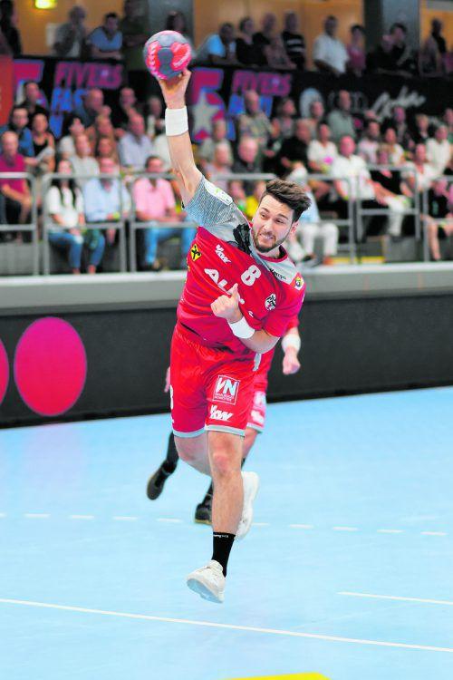 Nach drei Saisonen in Schwaz feiert Hard-Eigenbauspieler Manuel Schmid gegen seinen Ex-Klub seine Rückkehr im Trikot der Roten Teufel. Verein
