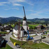 Auch neben der Andelsbucher Kirche geht es hoch her