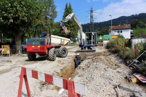 Noch drei Wochen dauern die umfassenden Sanierungsarbeiten am Beginn der rund sieben Kilometer langen Gemeindestraße von Lochau auf den Pfänder. bms