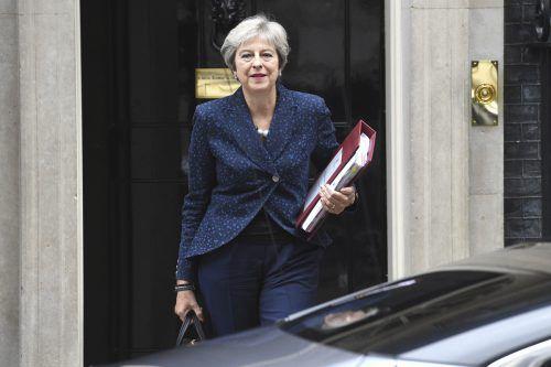 Premierministerin Theresa May fordert von der EU mehr Entgegenkommen. ap