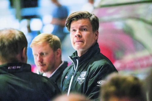 Punkte in Aussicht? Wald-Trainer Markus Jurrikkala. Steurer