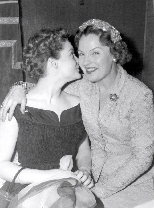 Romy mit ihrer Mutter Magda Schneider im Jahr 1954.