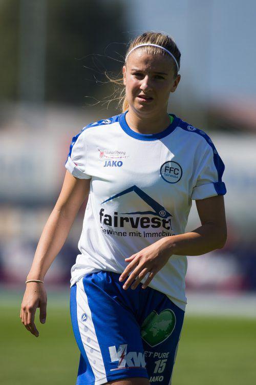 Schon am Sonntag wartet auf Fabienne Hofer der nächste Einsatz im Dress des FFC fairvesta Vorderland. Den Wechsel ins SR-Dress schafft sie problemlos.Steurer