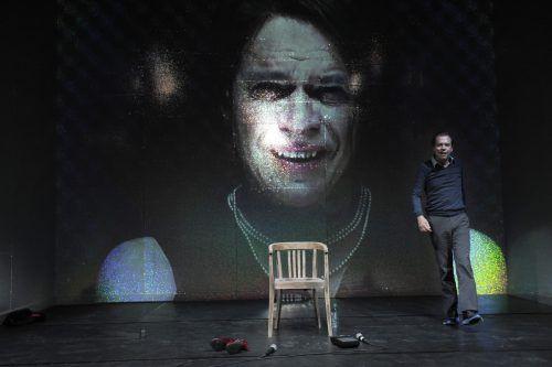 """Szene aus """"Das Kalkwerk"""" nach Thomas Bernhard, inszeniert und ausgestattet von den Bregenzern Philipp Preuss und Ramallah Aubrecht. Schaubühne/A. Ruder"""
