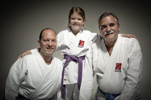 Thomas, Sarah-Sophia und Harry Intemann sind seit vier Jahren vom Karatefieber gepackt. Karate Bregenz