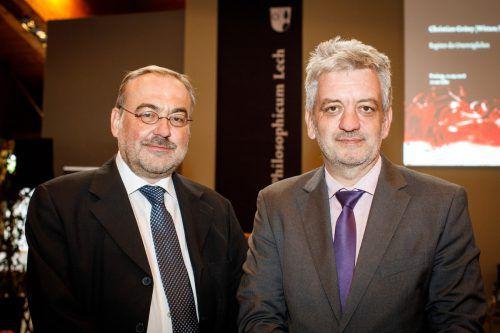 Tractatus-Preisträger Thomas Bauer und Laudator Thomas Vasek (r.): Ausgezeichnet wurde ein Buch, das mit Leichtigkeit geschrieben wurde und zu denken gibt. F. lechner
