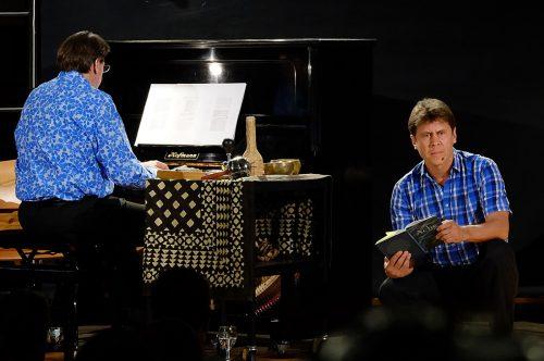 Udo Kawasser und Peter Madsen präsentieren in der Alten Seifenfabrik eine Lesung mit Musik. Veranstalter
