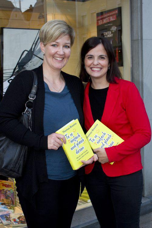 Unter den Gästen: Nina Kessler (l.) und Judith Gugele.