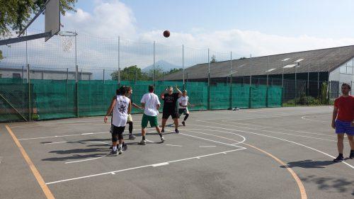 Zahlreiche Teams aus dem Dreiländereck kamen zum Streetball-Turnier. Gemeinde