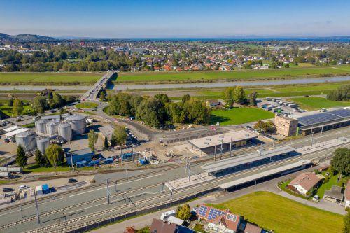 Bauarbeiten am Lustenauer Bahnhof gehen zügig voran. VN/Stiplovsek