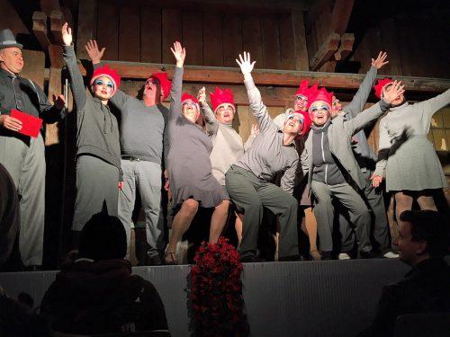 Das Tanztheater von Brigitte Walk brachte anlässlich von Feldkirch 800 eine Grenzerfahrung mit theatraler Bahnfahrt auf Schiene.lcf