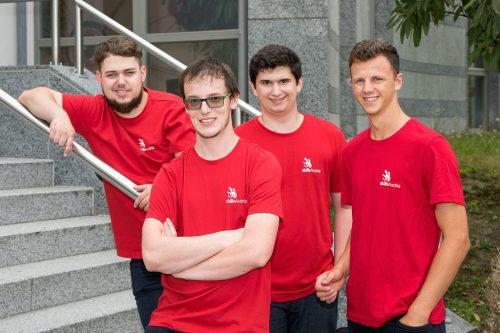 """Das """"Team Vorarlberg"""": v.l.: Max Meusburger (Anlagenelektrik), Marco Erhart (Fliesenleger), Lukas Wolf und Manuel Franz (Industrie 4.0)."""