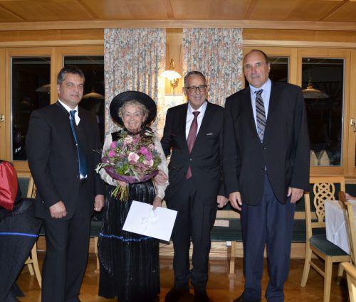 Der Auer Bürgermeister Andreas Simma, Anni Ganthaler, Dr. Ganthaler und Medizinalrat Peter Spöttel. mam