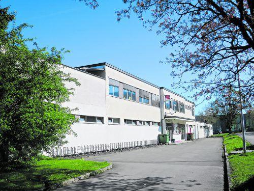 Der baufällige Jugendtreff Arena Höchsterstraße ist als möglicher Standort für eine Trendsporthalle im Gespräch.HA