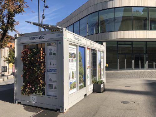 Der Container informiert über Vorteile von Bepflanzung an Dach und Fassade.VN/GMS