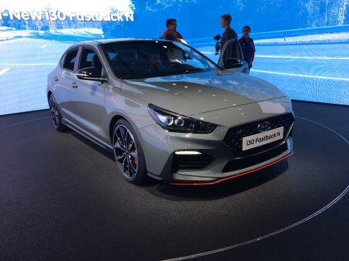 Der koreanische Hersteller Hyundai drückt weiter aufs Tempo. Mit sportlichen Modellen will die Marke für ein emotionales Image sorgen. So zeigt Hyundai als Weltpremiere den i30 Fastback N - das zweite Sportmodell mit dem N-Faktor. Zur Wahl stehen eine Variante des Kompaktmodells mit 250 PS Leistung bzw. eine um 25 PS stärkere Performance-Version.