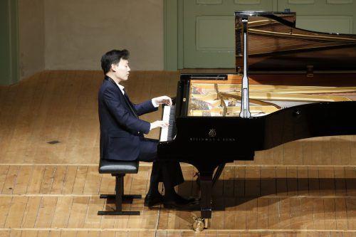 Der koreanische Meisterpianist William Youn begeisterte mit Mozart, Schubert und Schumann.Veranstalter