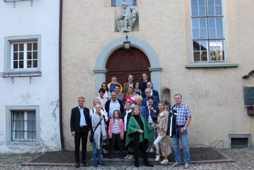 Die Bregenzer Faschingsgesellschaft (BFG) besichtigte mit Bürgermeister Markus Linhart und Stadtarchivar Thomas Klagian die Bregenzer Oberstadt. bfg