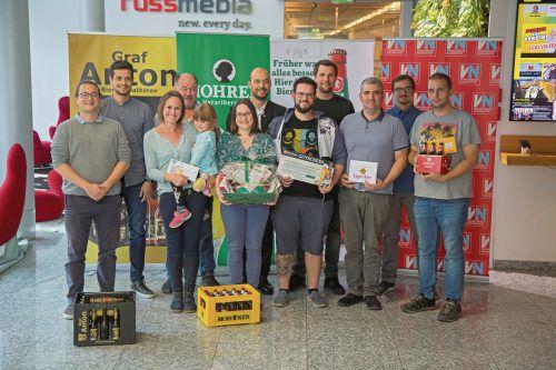 Die Gewinner wurden von den Vertretern der Brauereien mit einem Jahresvorrat Bier belohnt. Vn