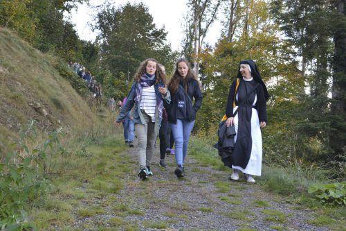 Die Idee hinter der Matura Wallfahrt war, die Maturaklassen in ihrem letzten, aber auch wichtigsten Schuljahr zu begleiten. Junge Kirche/Peter