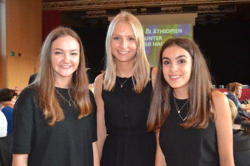 Die Jugendbotschafterinnen Laura Wachter, Carla Sophie Raffl und Clarina Kaufmann organisierten das Charity-Dinner.Caritas vorarlberg