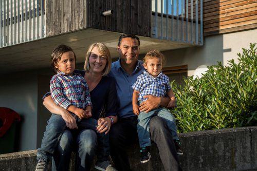 Die Martinez' sind eine bikulturelle Familie. Papa Alejandro stammt aus Mexiko, Mama Bettina aus Dornbirn. Die Söhne Lucas und Linus werden hier groß. Paulitsch