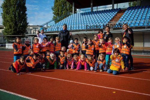 Die Mini-Läufer des Bregenzer Kindergartens Braike fiebern ihrem Start beim Kindermarathon am Samstag schon kräftig entgegen.VN/Paulitsch