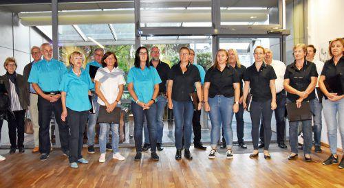Die Singgemeinschaft Hard mit Chorleiter Axel Girardelli gestaltete die Vernissage musikalisch.