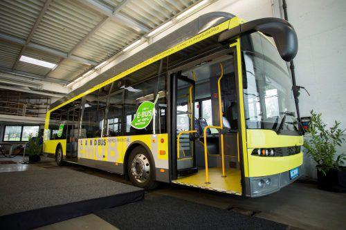Die vier elektrisch angetriebenen Linienbusse werden im oberen Rheintal, im Walgau und in Feldkirch im Einsatz sein. VN/Paulitsch