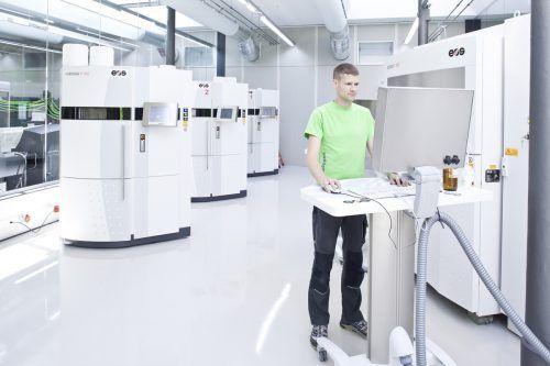 DieLasersinter-Anlagen im Rapid-Prototyping-Center von 1zu1. 1zu1/Todorovic