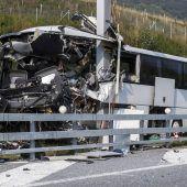 Deutscher Reisebus mit Jugendlichen im Tessin verunglückt
