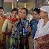 Bestürzung und Wut nach schwerem Zugunglück in Indien