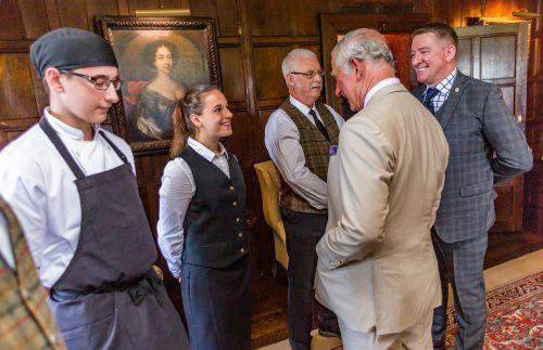 Ein großer Moment für Ida: Plaudern mit Prinz Charles. Bürgermeister