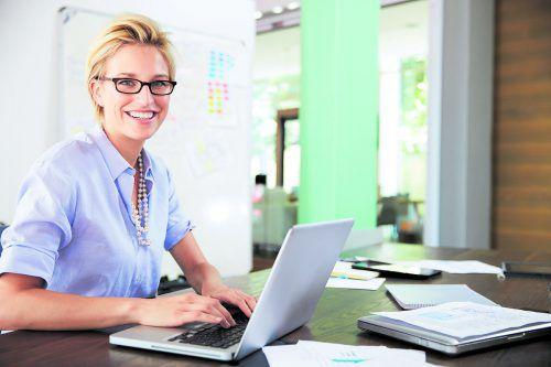 Ein-Personen-Unternehmen sind mit ihrer Entscheidung zur Selbstständigkeit zufrieden. Die meisten schauen optimistisch in die Zukunft. MBI