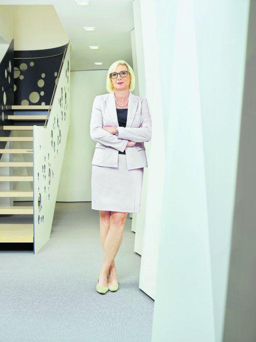 Elisabeth Stadler leitet ein europäisches Unternehmen mit 25.000 Mitarbeitern in 25 Ländern. Edited bei Alex