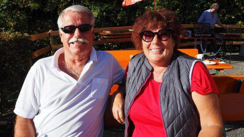 Erich und Evelin Hartiner genossen die Sonne auf der Terrasse.
