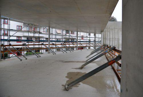 Erste Etappe beim Neubau ist geschafft, die Baumeisterarbeiten sind abgeschlossen. Nun geht es um den Innenausbau und um die Fassade. Eröffnung ist in einem Jahr.STD