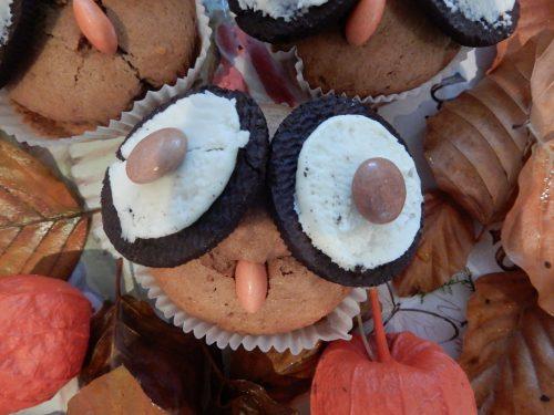 Eulen sind bekannt für ihre großen Augen, passend dazu zieren die Muffins riesige Oreo-Augen.cth