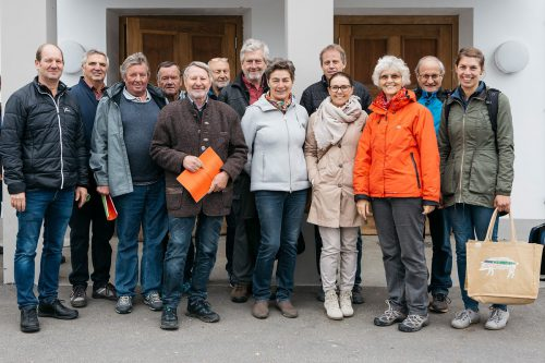 """Exkursion zur Viehversteigerungshalle nach Dornbirn bildete den Abschluss der Jubiläumsfeierlichkeiten zu """"400 Jahre Markt"""" in Rankweil. Gemeinde"""