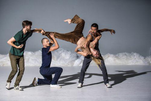 """Szene aus der österreichischen Erstaufführung """"Frozen Songs"""" der norwegischen Zero Visibility Corp.Antero Hein"""