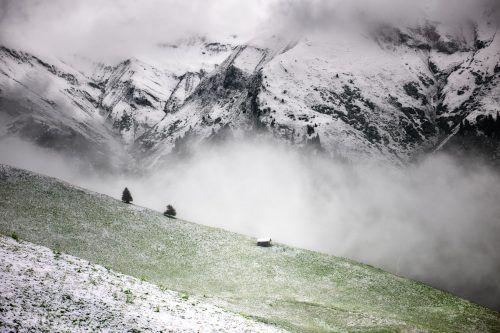 General Winter gab mit ersten Schneeflocken auch in der Region Arlberg ein erstes Lebenszeichen. Georg Schnell