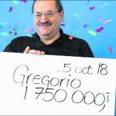 Plötzlich Millionär! Kanadier findet beim Ausmisten Lottoschein