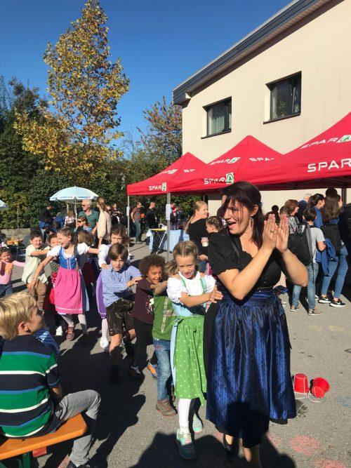 Groß und Klein hatten zum Herbstausklang ihren Spaß beim bunten Oktoberfest der Volksschule Rohrbach.cth
