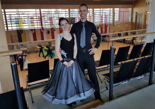 Groß war die Freude bei Adrienn und Rene über die zwei Stockerlplätze.tsc blau-gold