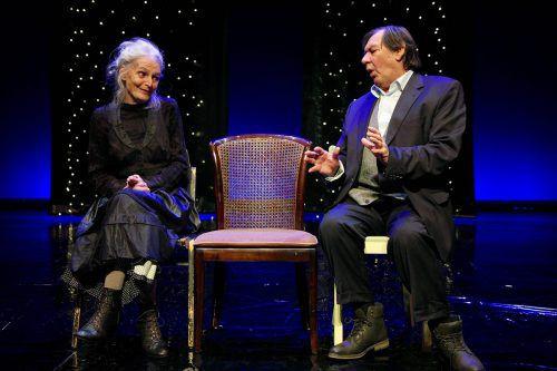 """Günter Rainer und Juliane Gruner verkörpern """"Die Alten"""" in Ionescos Stück """"Die Stühle"""", welches heute in Dornbirn Premiere feiert.ensemble unpop"""