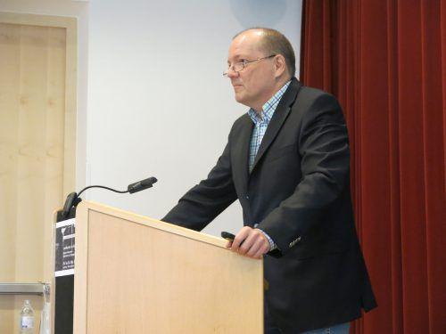 "Historiker Wolfgang Scheffknecht sprach über den ""Embser Staat"".bet"