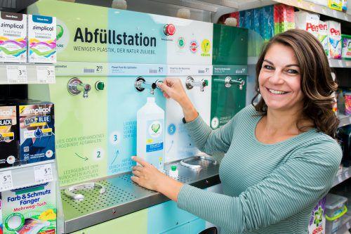 In der Filiale in der Bregenzer Rheinstraße wird gerade eine Abfüllstation für Bio-Wasch- und -Reinigungsmittel getestet. dm
