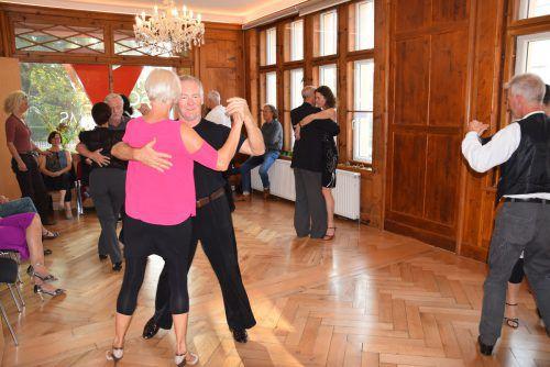 In der VHS Hohenems wird jetzt argentinischer Tango getanzt. VER